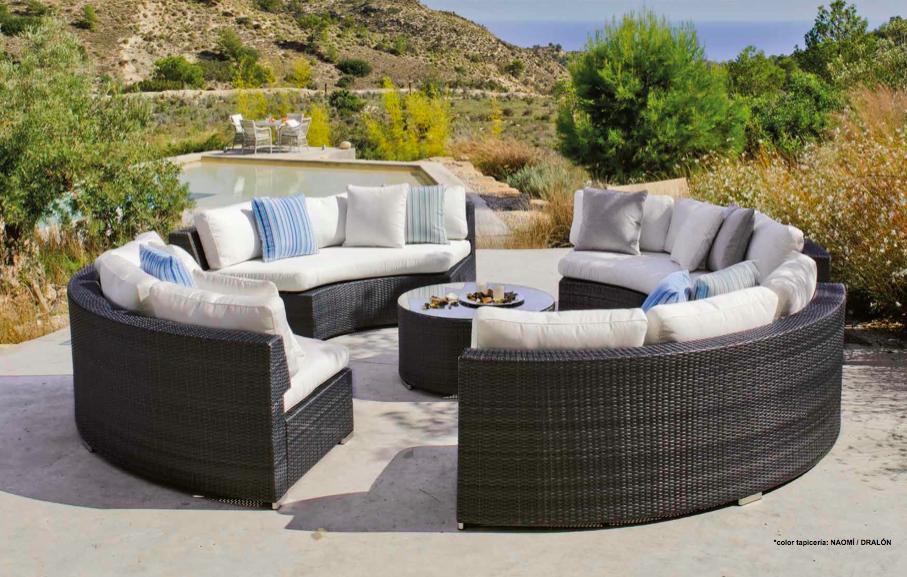 Encantador Muebles De Jardín Circular Embellecimiento - Muebles Para ...